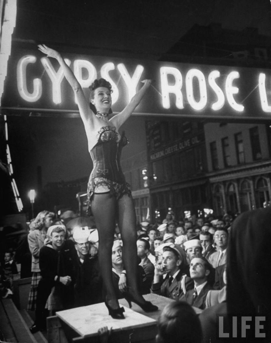 5-1-gypsy-rose-lee-performing